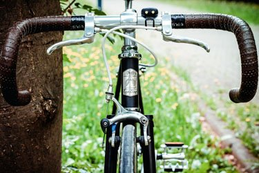 learn-how-to-ride-a-bike-lessons-2-learn-to-brake